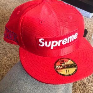 Never been worn Supreme New Era 7 3/8 Lid